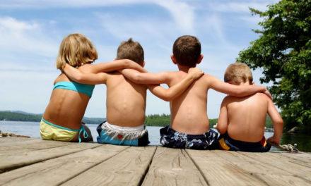 Γιατί τα παιδιά που προέρχονται από οικογένειες χαμηλού εισοδήματος δημιουργούν πιο ανθεκτικές φιλίες;